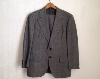 Gray and Brown Striped Plaid 2-Piece Suit By Stulmaker - size 40