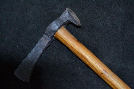 Hand Forged Railroad Spike Tomahawk - 38.9KB