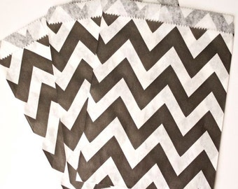Black and White Chevron Favor Bags (24 Count) Goodie Bags, Sandwich Bags, Candy Bags - Wedding, Birthday, Bridal Shower, Baby Shower, Gift