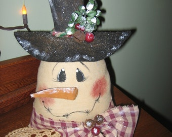 PRiMiTiVe RaGGeDy WiNTeR HoLiDaY SNoWmAn SiTTeR BoWL FiLLeR DoLL TuCk PaTTeRn