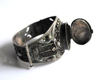 Vintage Moroccan Silver Filigree Bracelet.