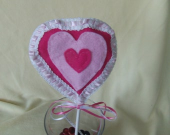 Valentine's Day plant poke; plant poke, heart plant poke, hot pink heart, Valentine's Day decoration, pink heart with lace trim