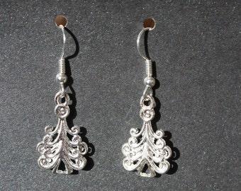 tiny trees silvertone earrings