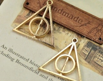 30 pcs   antiqued silver or gold hallows Charm Pendants triangle  with circular pendant 30mm