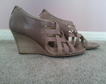 Womens Strappy Wedge
