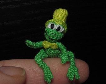 Miniature green frog miniature frog dollhouse frog miniature froggy
