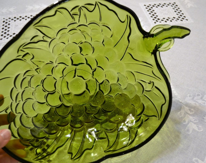 Vintage Indiana Glass  Serving Bowl Green Fruit Grape Cluster PanchosPorch