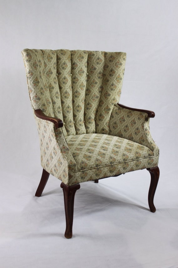 Id F 506086 likewise 2013 Small Modern Apartment Decorating moreover Chippendale Antique Wood Chair In English 1854913020 together with Id F 707947 in addition Ch123 Ct. on antique chippendale arm chair