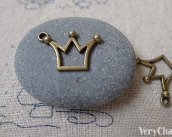 30 pcs of Antique Bronze Filigree Crown Charms 14x20mm A7058