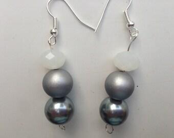 Silver Bead Jewelry, Silver Earrings, White Bead Earrings, White Bead Jewelry, Grey Earrings, Grey Jewelry, Gray and White, Silver and White