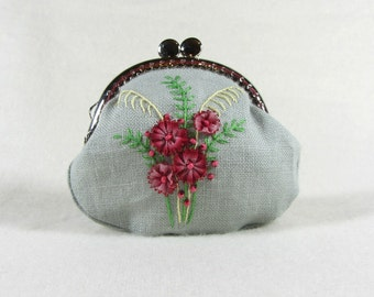 Red floral linen coin purse, hand embroidered coin purse,embroidered linen pouch, silk ribbon embroidery, kiss lock purse