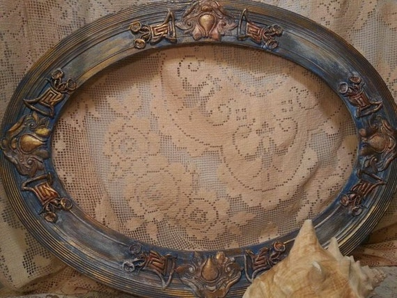 Antique Oval Wooden Frame Gilded And Painted By