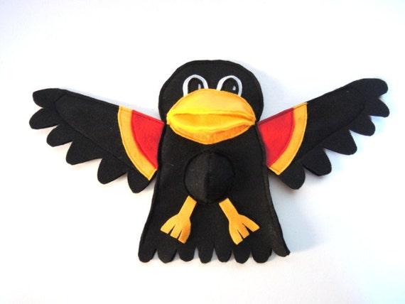 Hand Puppet Toy Red Wing Blackbird Bird Kids Nature Toy Bird Eco Friendly Eco-fi Felt Childs Animal Tree Topper Holiday Gift Black Bird