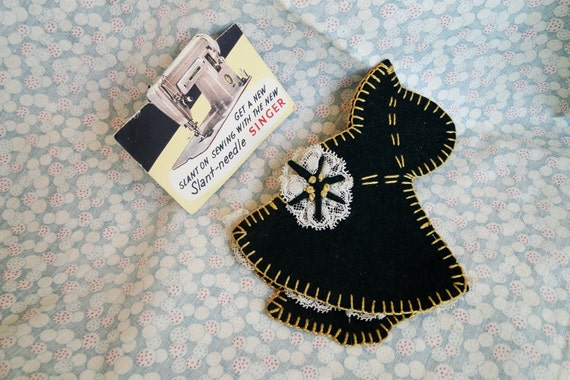 Vintage Little Girl Handmade Felt Needle Holder With Needle