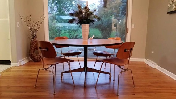 eames herman miller 54 round dining table. Black Bedroom Furniture Sets. Home Design Ideas