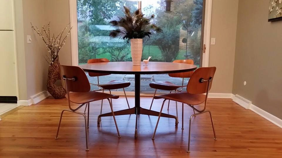 Eames Herman Miller 54 Round Dining Table