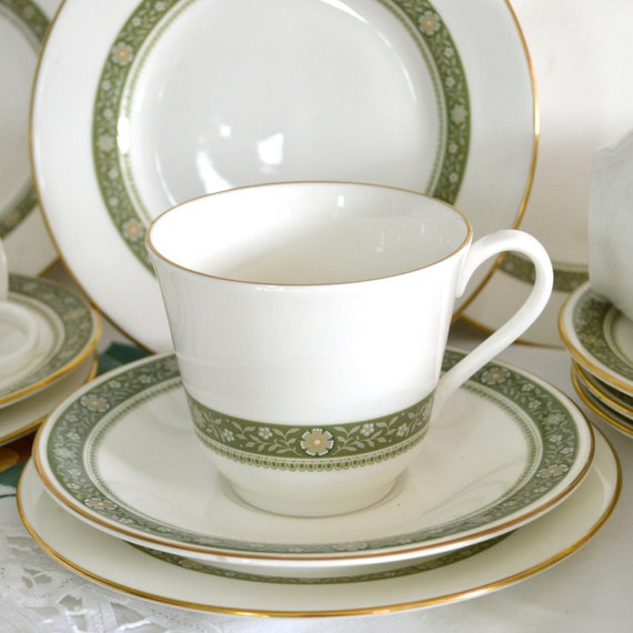 Royal Doulton Fine English Bone China Teacup Only