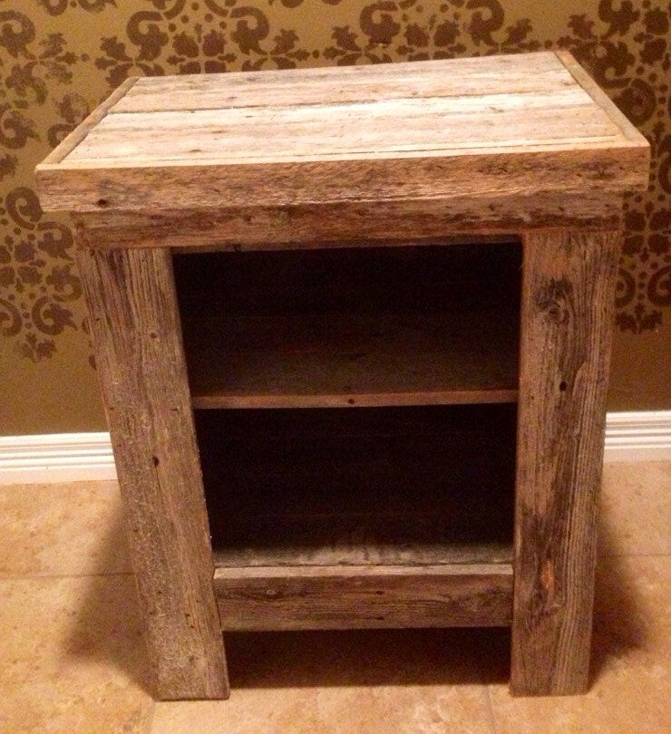 Rex crown reclaimed barn wood 2 shelf nightstand night - Table de nuit en pin ...