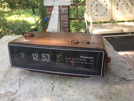 panasonic flip number analogue alarm clock by bertnbettysvintage. Black Bedroom Furniture Sets. Home Design Ideas