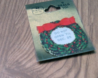Vintage Norcross Do Not Open 'Til Dec. 25 Green Holly Wreath with Berries and Red Bow Seals Pack of Six