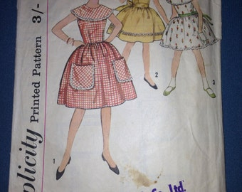 Vintage girls dress pattern, Simplicity 4418, (28 chest)