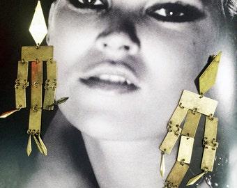 Shoulder duster Geometric industrial sheet metal post earrings
