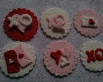Edible Valentine Cupcake Toppers
