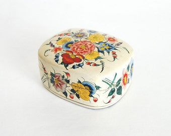 Vintage Paper Mache Lacquered Floral Trinket Box - Hand Made in Kashmir India