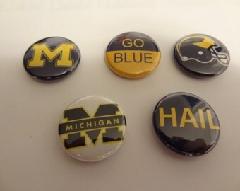 Five University of Michigan Wolverines pins pinback button Go Blue!