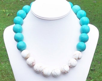Allie - Chunky 25mm Round Aqua Blue and White Turquoise Beaded Necklace - Tribal, Color Block, Resort