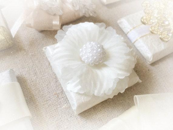Winter Wedding Gifts: Unique Winter Wedding Favors Chocolates With Unique Silk