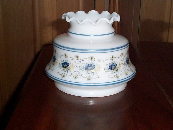 Vintage Quoizel Abigail Adams White Milk Glass Hurricane