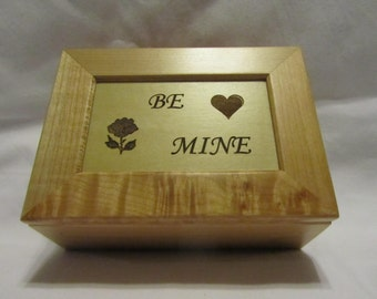 Personalized Maple Wooden Keepsake Box - Be Mine
