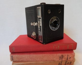 Vintage Camera Six-20 'Brownie' Junior Photography Prop