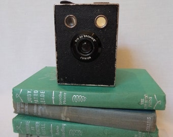 Vintage Camera Six-20 'Brownie' Junior Photography Prop