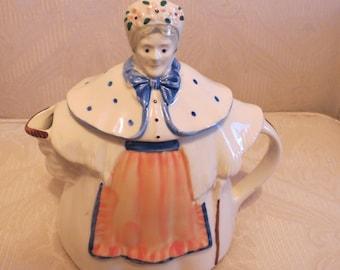 Vintage, teapot,Shawnee granny Anne teapot with peach apron