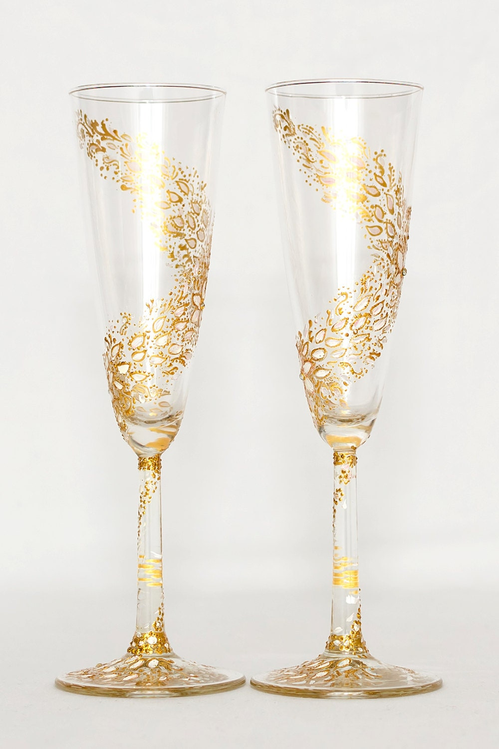Wine Glasses Decorated With Gold Pattern