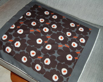 Mini Unikko unfinished scarf panel, black gray and orange, so beautiful! Finland