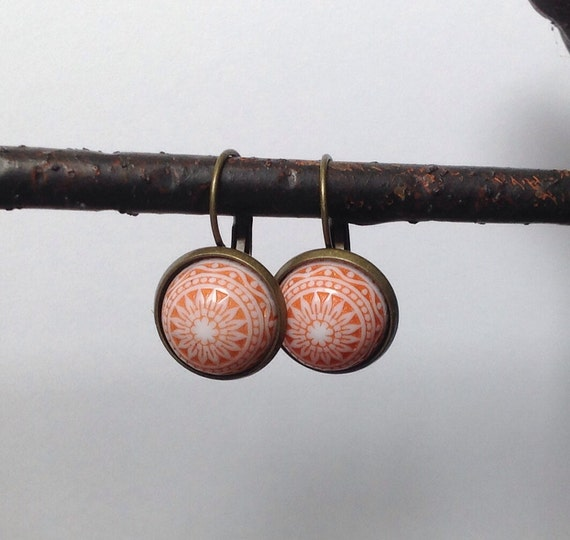 German etched vintage cabochon earrings, lever back earrings, vintage style earrings, dangle earrings, spring colours, handmade jewellery