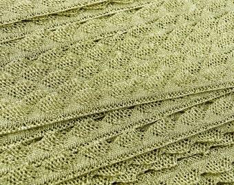 109yds Gold Lurex Lace Trim (Scalloped Edges)