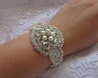 Luxury Vintage Crystal and Pearl Rhinestone Bridal Wedding Bracelet/Cuff