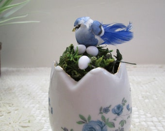 Little bird in a ceramic egg with tiny eggs in nest, nature decor, Spring decor, woodland decor, birdnest and eggs
