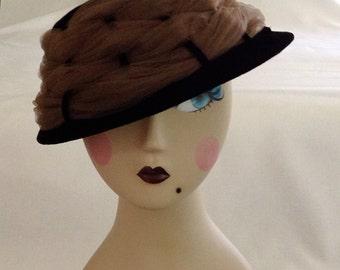 Vintage Velvet Women's Hat With Netting