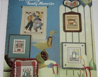 Country Scrapbook by Polly Carbonari Vintage Cross Stitch Leaflet Chart Pattern