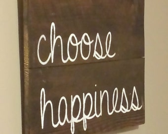 "Reclaimed cedar wood sign, Inspirational quote "" choose happiness "" .. great for any room"