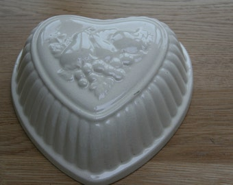 ceramic jelly mould, fruits