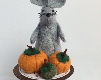 Pumpkin mouse