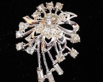 Beautiful Clear Crystal Rhinestone Brooch in Rhodium Metal