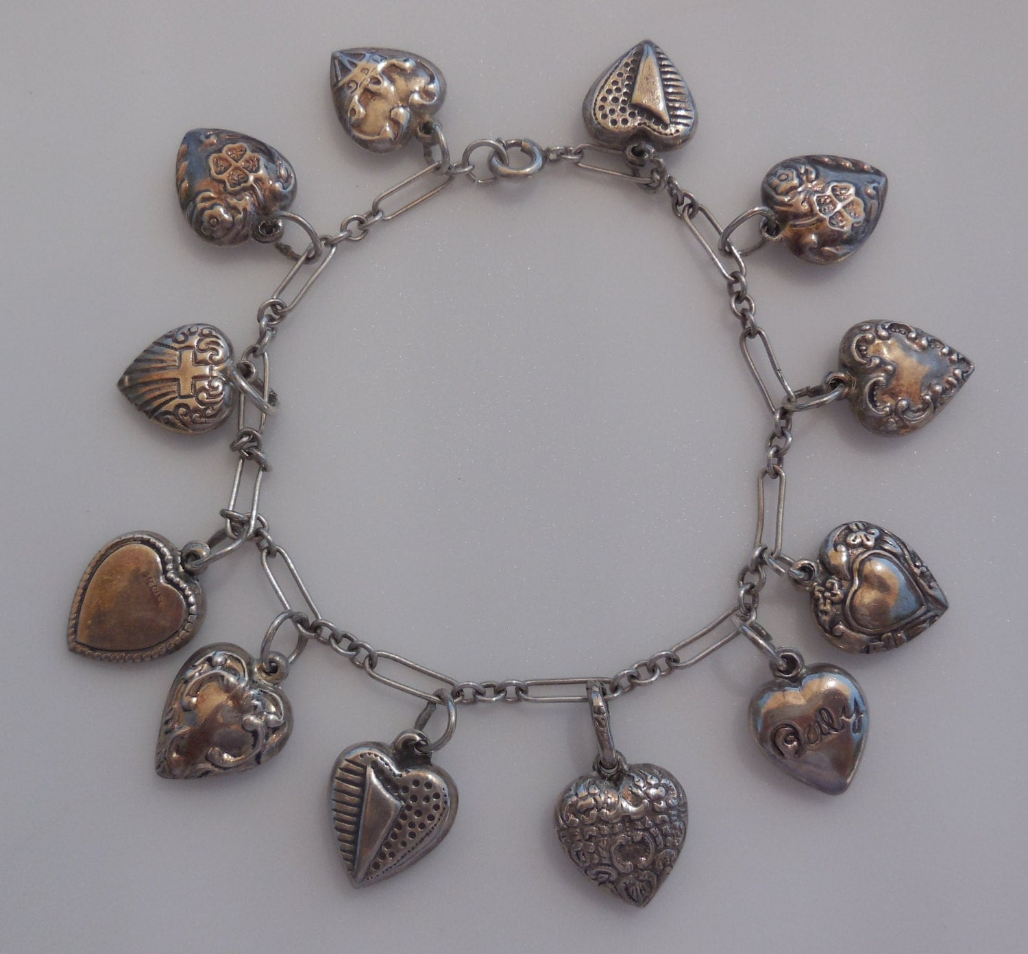 Bracelet With Hearts: Vintage Puffy Heart Charm Bracelet With 12 Heart Charms