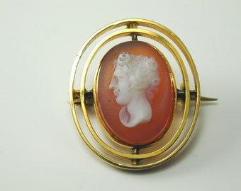 9CT Gold Vintage Hardstone Cameo Brooch 3.3 Grams